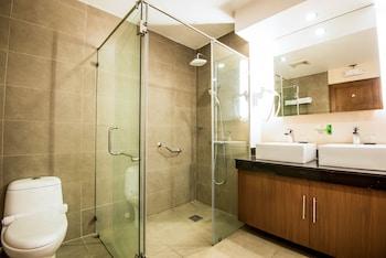 Ariana Hotel Dipolog Bathroom