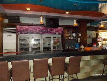 MO2 Westown Hotel Bacolod - Downtown - Hotel Bar  - #0
