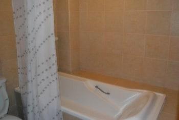 Ace Penzionne Cebu Deep Soaking Bathtub