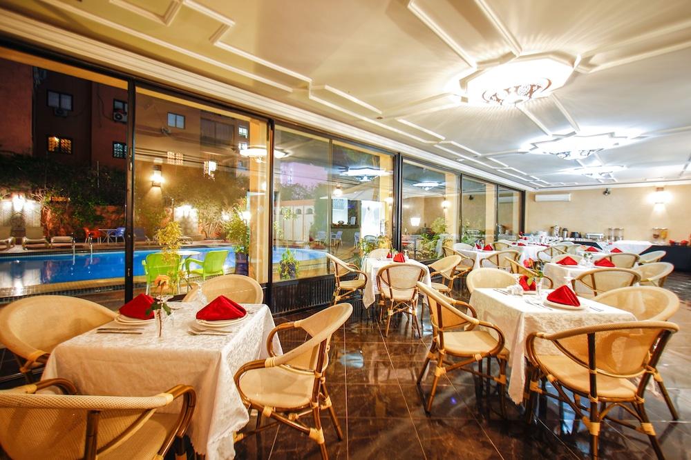 Ezzahia Hôtel, Featured Image