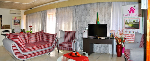 . Lapologa Bed and Breakfast