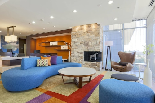 . Fairfield Inn & Suites Pleasanton