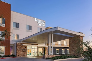 Fairfield Inn & Suites Pleasanton photo