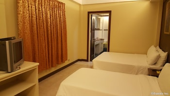 Dumaguete Royal Suite Inn Room