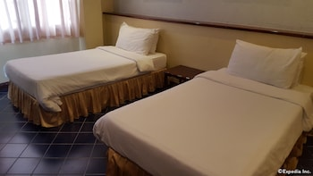 Dumaguete Royal Suite Inn Guestroom