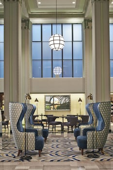 Lobby Lounge at Hilton Garden Inn Phoenix Downtown in Phoenix