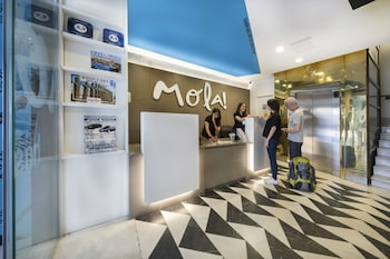 モラ ホステル