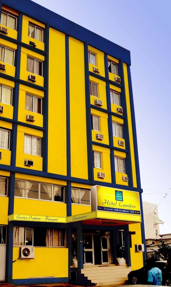 Hôtel Lumière D'Akwa