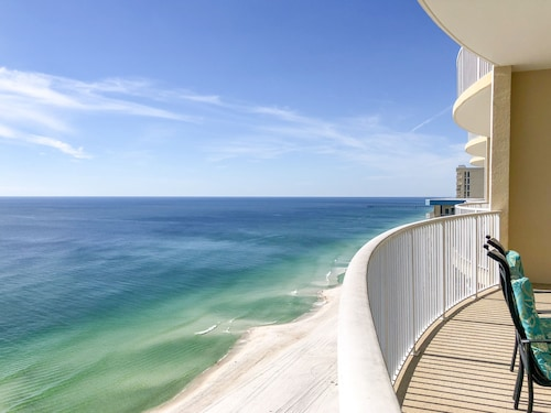 Ocean Villa Condos by Funquest VR, Bay