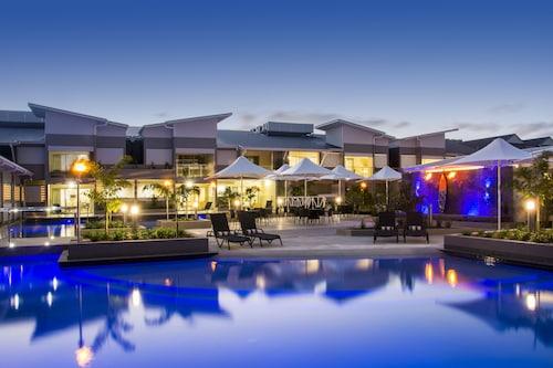. 1770 Lagoons Central Apartment Resort