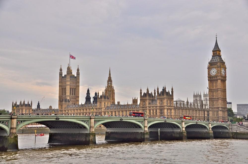 ホリデイ・イン エクスプレス ロンドン - イーリング