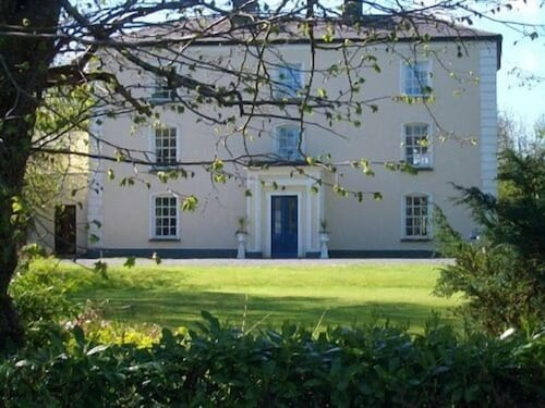 . Viewmount House