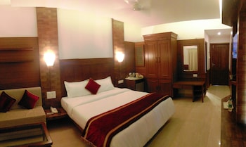Luxury Double Room, 1 Bedroom, Smoking, Beach View