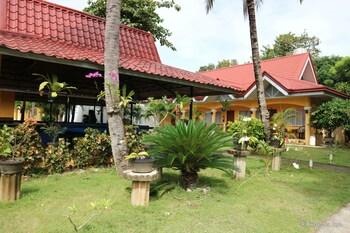 Villa Manuel Tourist Inn - Property Grounds  - #0