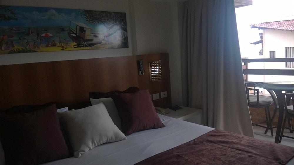 https://i.travelapi.com/hotels/13000000/12370000/12366100/12366012/30f08918_z.jpg