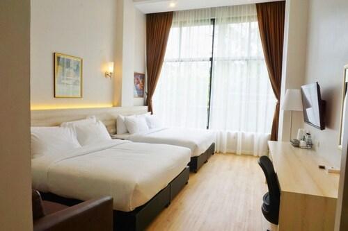 . FarmHouse Hotel Ranong