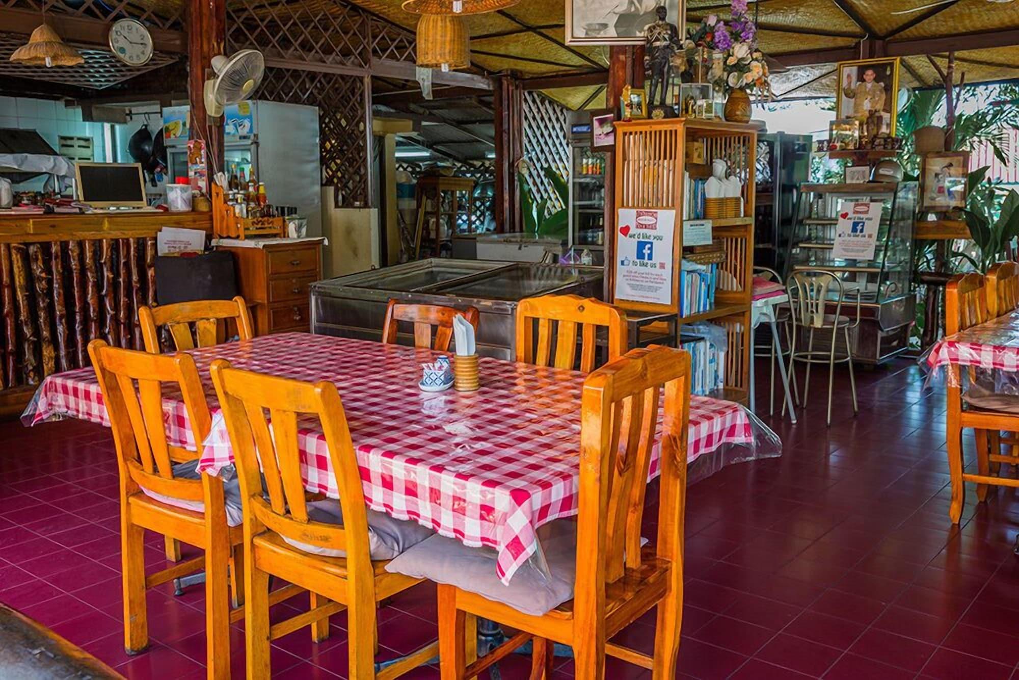 Rimtalay Resort Koh-sichang, Koh Si Chang
