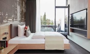 Deluxe Single Apartment