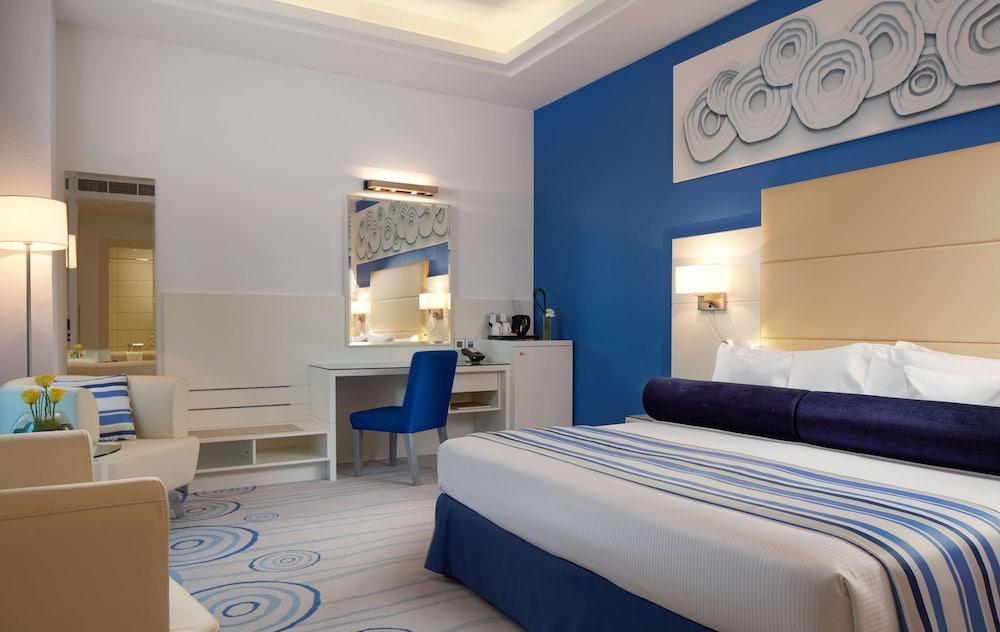 Hotel Golden Tulip Downtown Abu Dhabi