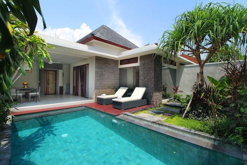 . Royal Samaja Villas