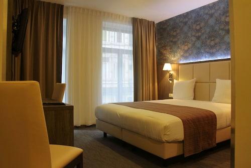 Bruksela - Dansaert Hotel - z Krakowa, 14 kwietnia 2021, 3 noce