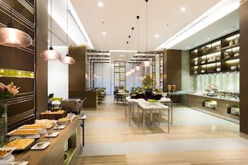 Belmont Hotel Manila Breakfast Area