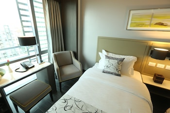 Belmont Hotel Manila Guestroom
