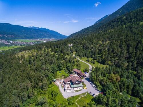 Landhotel & Berggasthof Panorama, Garmisch-Partenkirchen