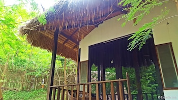 Love And Peace Deep Jungle And River Resort Palawan Terrace/Patio