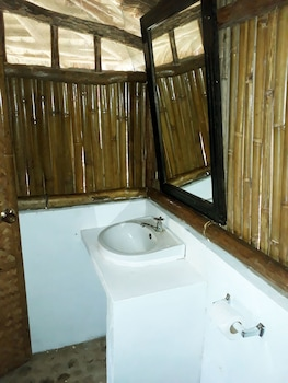 Love And Peace Deep Jungle And River Resort Palawan Bathroom