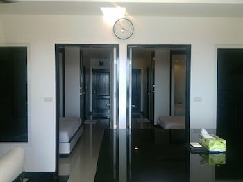 2 Bedroom Pattio Apartment