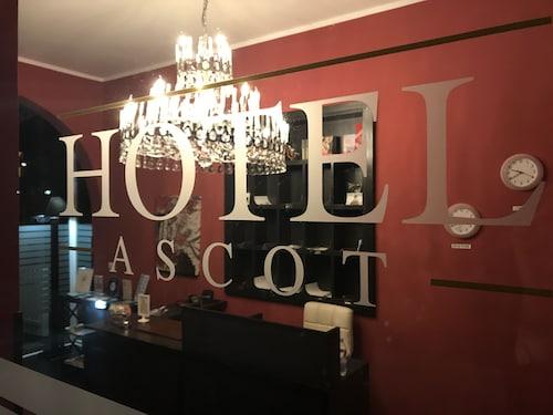 . Ascot Hotel