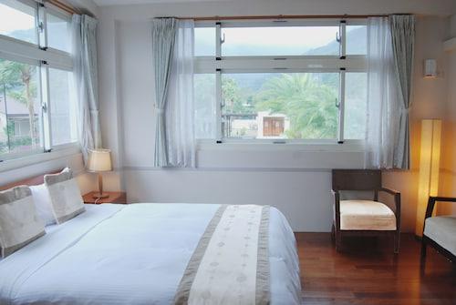. 21 Holiday Resort