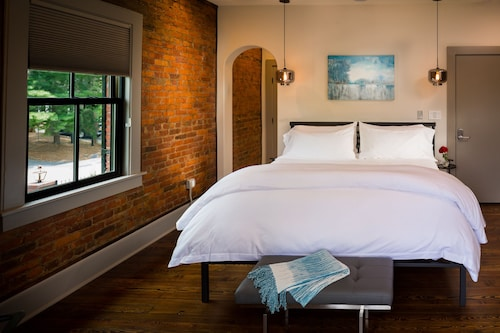Bunn House - A Boutique Hotel, Buncombe