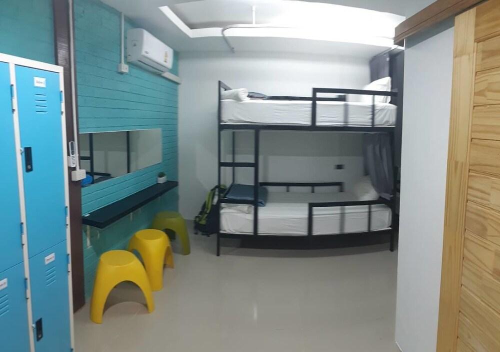 At We Patong hostel, Pulau Phuket
