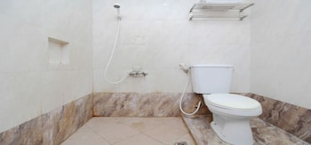 Sriwedari Hotel Yogyakarta - Bathroom  - #0