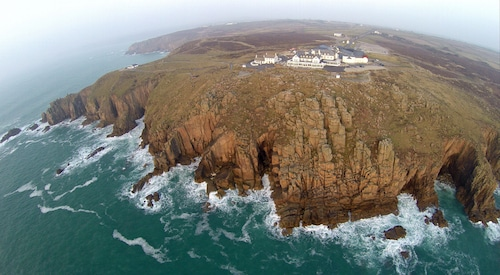 __{offers.Best_flights}__ The Land's End Hotel