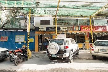 White Palace Condotel Manila Exterior