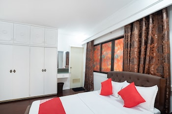 White Palace Condotel Manila Guestroom