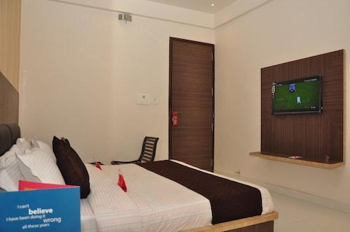 OYO 1662 Hotel Behl Regency, Amritsar