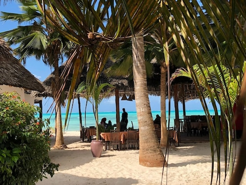 __{offers.Best_flights}__ Jambiani White Sands Beach Bungalows