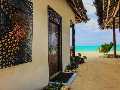 . Jambiani White Sands Beach Bungalows