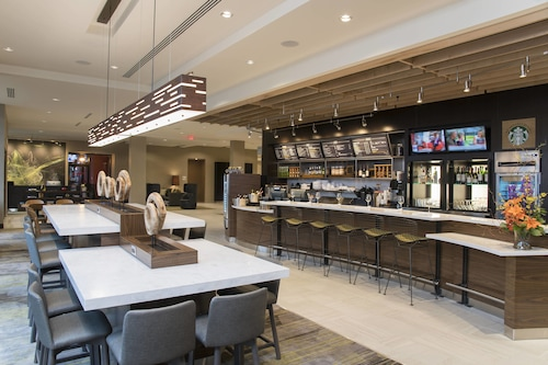 . Courtyard by Marriott Holland Downtown