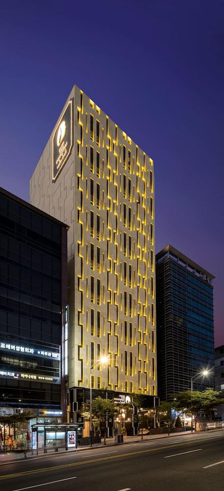 ホテル ザ デザイナーズ LYJ カンナム プレミア