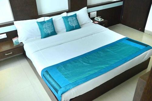 OYO 1538 Hotel Diamond Inn, Indore