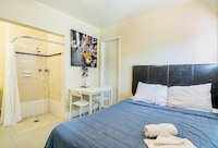 Premium Studio, 1 Queen Bed