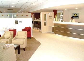 Hotel - Premier Inn Luton Town Centre