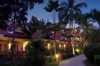 Hotel - Palm Village