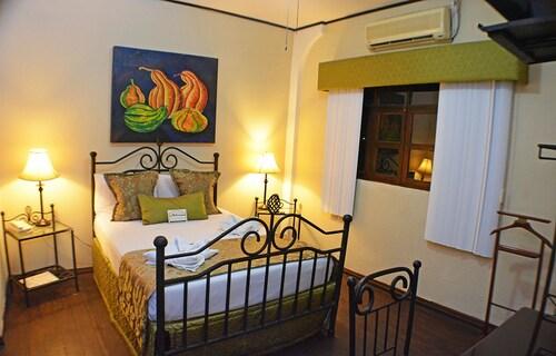 . Hotel Los Balcones Leon