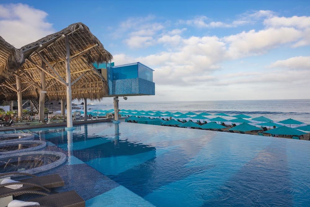 Almar Resort Luxury Lgbt Beach Front Experience Puerto